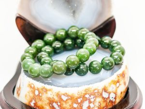 Vòng tay đá ngọc bích nephrite, xanh lá cây - VT07