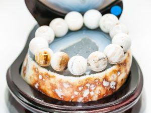 Vòng tay gỗ hóa thạch trắng - VT06